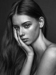 dd594e241abf617abed2b7d586c19ef9--female-portrait-model-portraits
